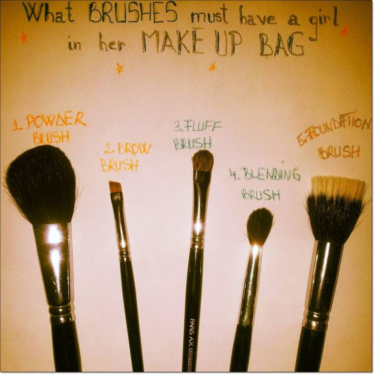 what brushes must have a girl in her makeup bag