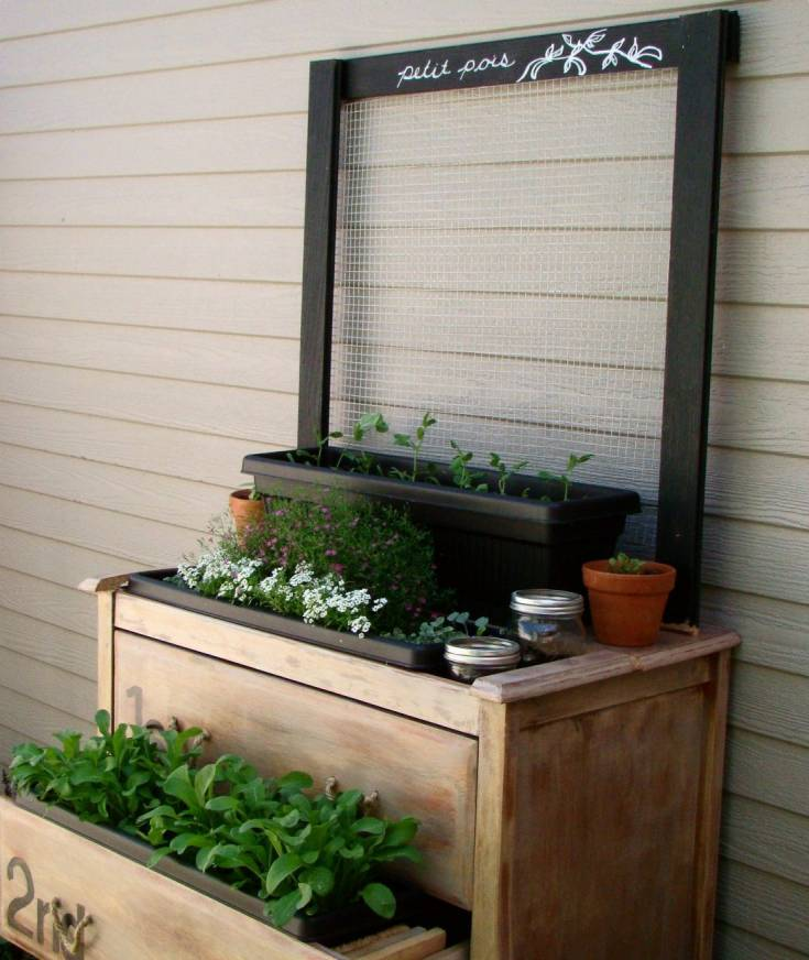 A Trellis From Wood Scraps