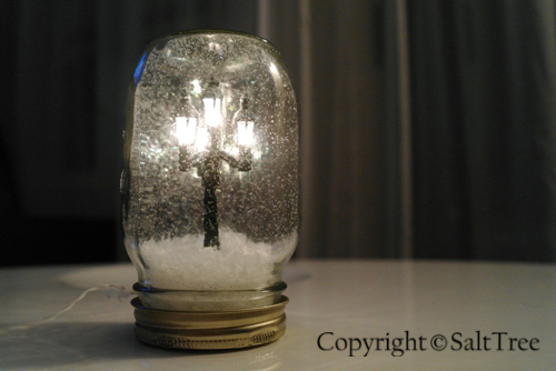 Streetlamp snow globe tutorial