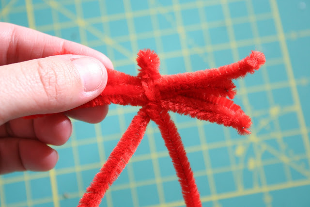 Valentine's Day Pipe Cleaner Tree Tutorial